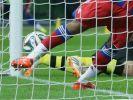 Tor? In Deutschland entscheiden nur die Schiedsrichter (Foto)