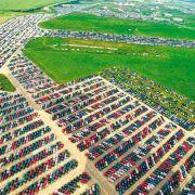 Hier verrotten zehntausende Neuwagen! (Foto)