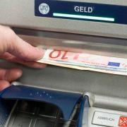 Sparkassen und Handel: Trend zu weniger Bargeld hält an (Foto)