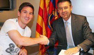 Messi und Barcelona unterzeichnen Vertragsaufbesserung (Foto)