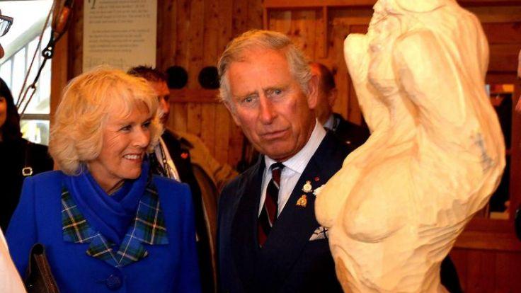 Prinz Charles und Camilla in Kanada empfangen (Foto)