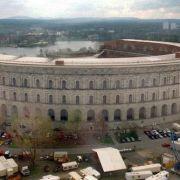 Das NSDAP-Kongresszentrum sollte 50.000 Menschen Platz bieten. Ursprünglich sollte das Bauwerk eine Höhe von 70 Metern erreichen. Doch es schaffte es nur auf 39.