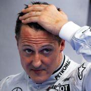 Michael Schumacher versteigerte einen Rennanzug für Hochwasseropfer.