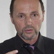 Prof. Dr. med. Wolfgang Petro: Niedergelassener Lungenfacharzt, Medizinisches Versorgungszentrum im Gesundheitszentrum Salus, Bad Reichenhall.