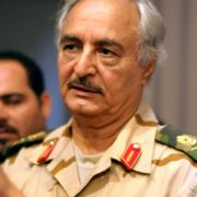 Weitere Soldaten schließen sich libyschem Umsturz-General an (Foto)