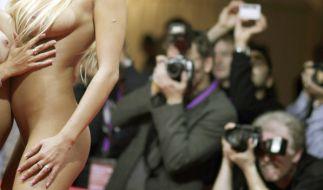 Auf der Erotikmesse Venus sind solche Bilder erwünscht. Im Wahlkampf hingegen sollte man dies vermeiden. (Foto)