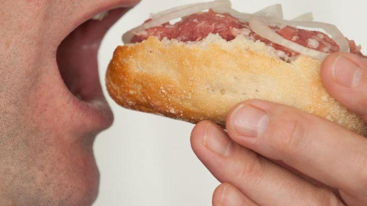 Die Spur der Antibiotika reicht bis auf manches Mettbrötchen (Foto)