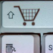 Das Rücksenden bestellter Ware könnte für Verbraucher ab dem 13. Juli 2014 teuer werden.