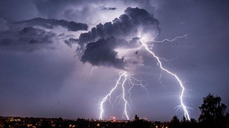 Kaltfront und heftige Gewitter nach Deutschland unterwegs (Foto)