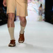 Socken in Sandalen werden in New York zum Trend (Foto)
