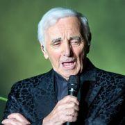 «For me, formidable»: Aznavour singt in Berlin (Foto)