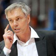 Trainer Herbert verlängert in Frankfurt vorzeitig (Foto)