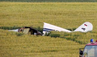 Beim Absturz eines Sportflugzeugs im Landkreis Eichstätt sind drei Menschen gestorben. (Foto)