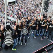 Kiel-Party vor dem Rathaus (Foto)