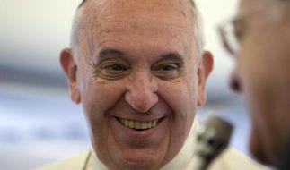 Papst lädt Peres und Abbas zu Gebeten für den Frieden ein (Foto)