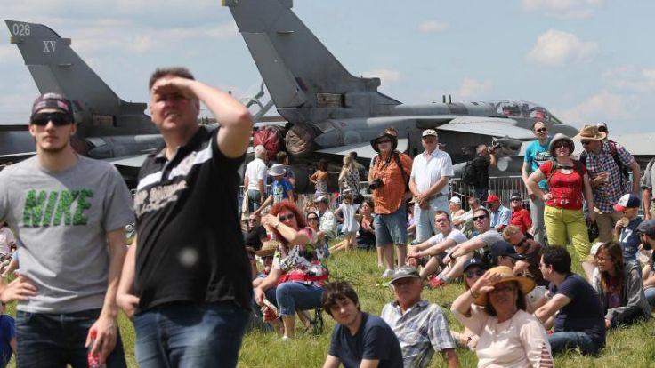Rund 227 000 Besucher bei Luftfahrtmesse ILA (Foto)