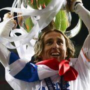 Haare ab: Modric hält Wort und opfert Mähne für Titel (Foto)