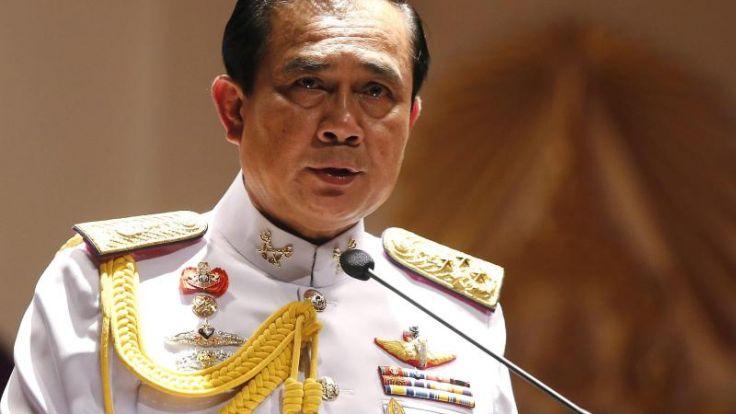 Königliche Billigung für ThailandsJuntachef (Foto)
