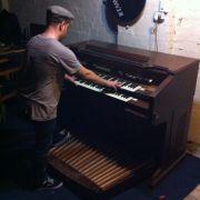 Da haben sich die Mitbewohner sicher gefreut: Ein WGler kaufte bei Ebay diese elektrische Orgel.