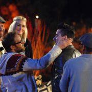 Gut gemacht! Singer-Songwriter Gregor Meyle lobt die Interpreten nach dem Tauschkonzert. (Foto)
