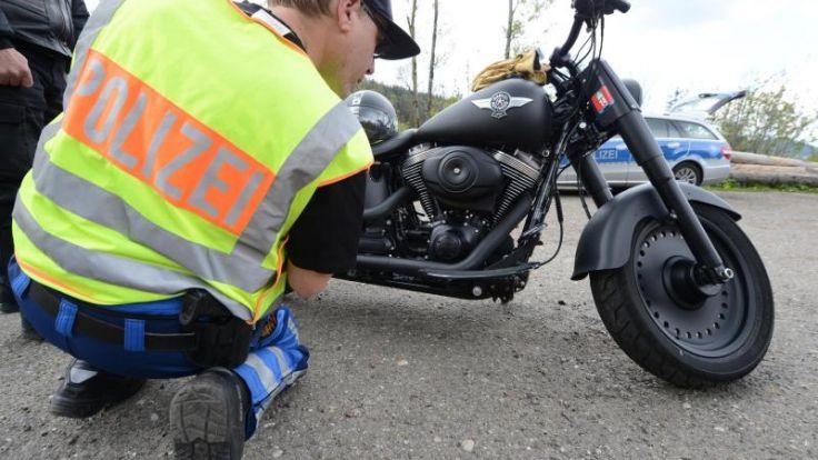 Studie analysiert Hauptursachen von Motorradunfällen (Foto)