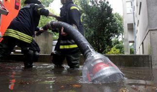 Meteorologen warnen in Deutschland bis Mittwoch vor schweren Unwettern mit Starkregen und Gewittern. (Foto)