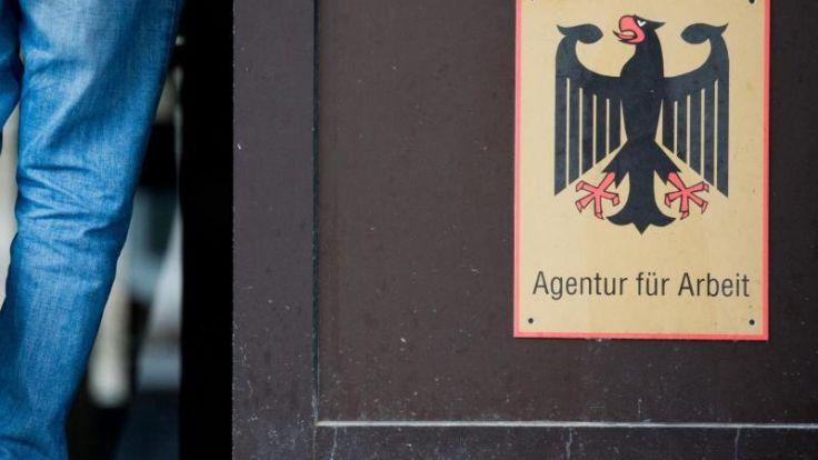 Bundesagentur: Arbeitskräfte-Nachfrage knickt imMai ein (Foto)