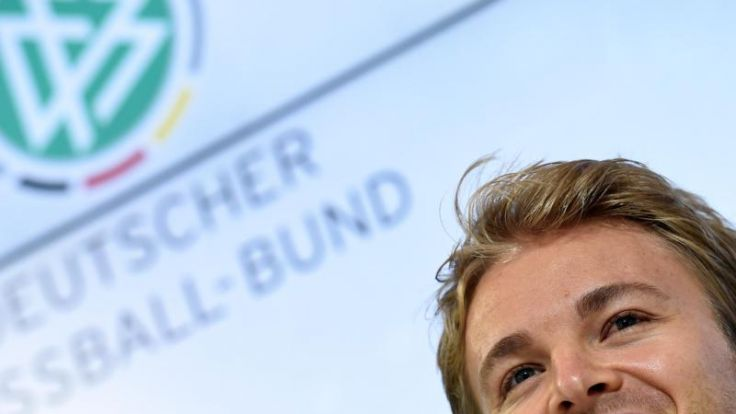 Rosberg fiebert mit DFB-Elf: Bildschirm versteckt (Foto)