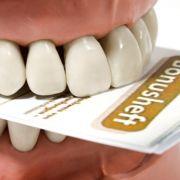 Mit ordentlich geführtem Bonusheft beim Zahnersatz sparen (Foto)