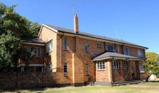In diesem Haus hielt ein Südafrikaner seine Frau und fünf Kinder mehr als zehn Jahre gefangen. Missbrauch und Misshandlungen gehörten zum Alltag. (Foto)