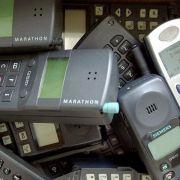 Immer mehr ausgemusterte Handys - Altgeräte richtig entsorgen (Foto)