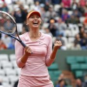 Scharapowa kämpft sich ins Viertelfinale (Foto)