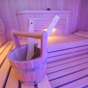 Hitze vertreibt den Holzwurm - Möbel in die Sauna stellen (Foto)