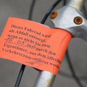 Rostige Fahrradwracks machen Kommunen viel Arbeit (Foto)