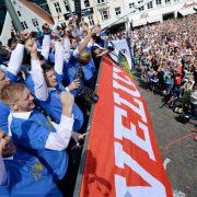 Tausende Fans feiern Flensburgs Handballer (Foto)