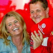 Corinna Schumacher begleitete ihren Ehemann zu fast allen Formel-1-Rennen. Auch nach seinem schweren Skiunfall weicht sie ihm nicht von der Seite.