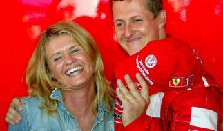 Corinna Schumacher begleitete ihren Ehemann zu fast allen Formel-1-Rennen. Auch nach seinem schweren Skiunfall weicht sie ihm nicht von der Seite. (Foto)