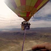Balance-Akt in 1.200 Metern Höhe ohne Sicherheitsleine (Foto)