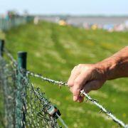 Meerblick mit Zaun: Bürger wollen freien Weg zum Strand (Foto)