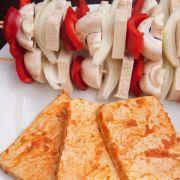 Umweltbewusste grillen Gemüse und Tofu statt Fleisch (Foto)