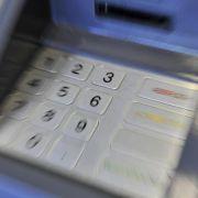 Teenager knacken Geldautomaten mit links (Foto)