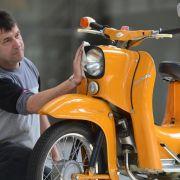 Suhl feiert 50 Jahre Zweiradklassiker Schwalbe (Foto)