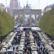 Taxifahrer protestieren gegen App-Anbieter (Foto)