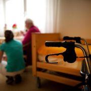 Mit Pflegedienst kostenlosen Hausbesuch vereinbaren (Foto)