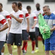 Hitzfeld pokert vor Spiel gegen Ecuador (Foto)
