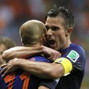 Robben und van Persie feiern Gala-Nacht gegen Spanien (Foto)