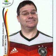 Moderator Elton sieht sich selbst am liebsten in der Start-Elf. Hier im WM-Trikot als Panini-Sticker auf seiner FB-Seite.