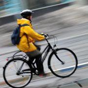 Streit um Schutzhelm: Bundesgerichtshof gibt Radfahrerin recht (Foto)