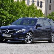 Test Mercedes-Benz E300 Hybrid  T-Modell - Der stille Streber (Foto)