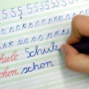 Länder-Mehrheit hält an Schreibschrift für Grundschüler fest (Foto)